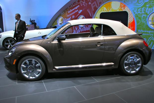2013 VW Beetle Convertible & R-Line Models: LA Auto Show featured image large thumb10