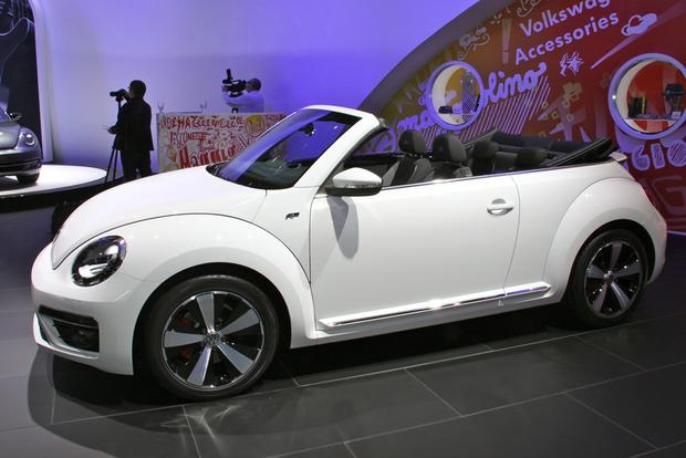 2013 VW Beetle Convertible & R-Line Models: LA Auto Show featured image large thumb13