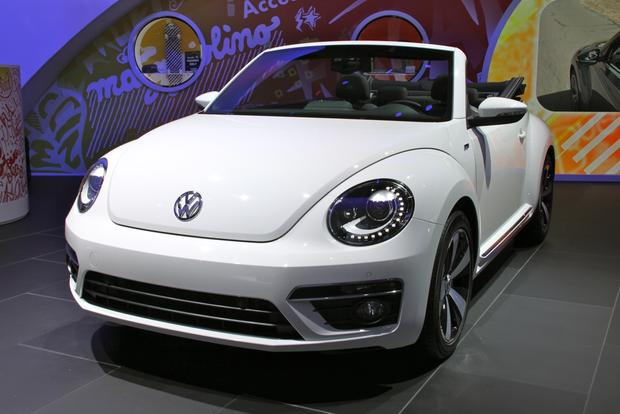 2013 VW Beetle Convertible & R-Line Models: LA Auto Show featured image large thumb14