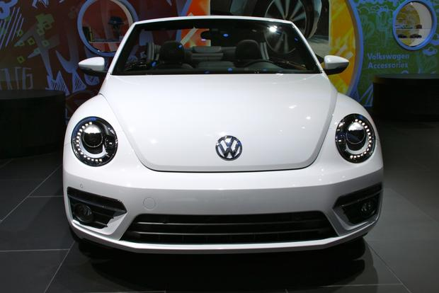2013 VW Beetle Convertible & R-Line Models: LA Auto Show featured image large thumb15