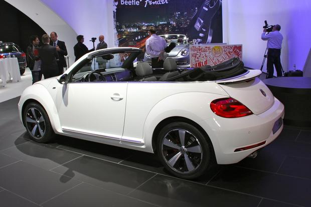 2013 VW Beetle Convertible & R-Line Models: LA Auto Show featured image large thumb16