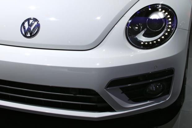 2013 VW Beetle Convertible & R-Line Models: LA Auto Show featured image large thumb19