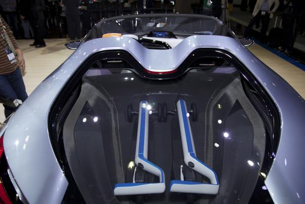 BMW i8 Spyder Concept: LA Auto Show featured image large thumb7