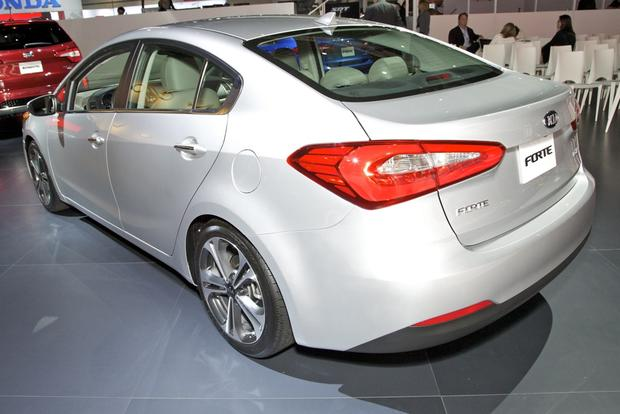 2014 Kia Forte: LA Auto Show featured image large thumb2