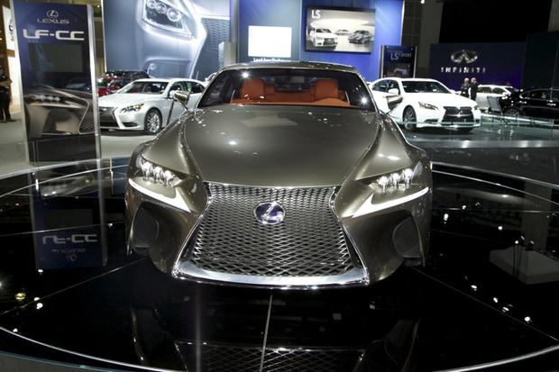 2013 Lexus LS: LA Auto Show featured image large thumb12