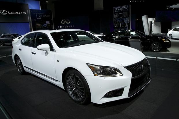 2013 Lexus LS: LA Auto Show featured image large thumb4