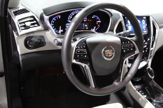 2013 Cadillac SRX: New York Auto Show featured image large thumb9