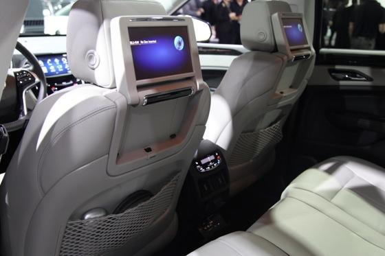 2013 Cadillac SRX: New York Auto Show featured image large thumb10