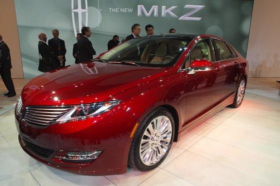 2013 Lincoln MKZ: 2012 New York Auto Show featured image large thumb0