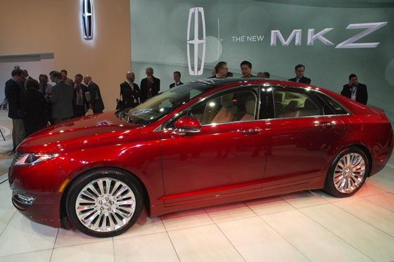 2013 Lincoln MKZ: 2012 New York Auto Show featured image large thumb1