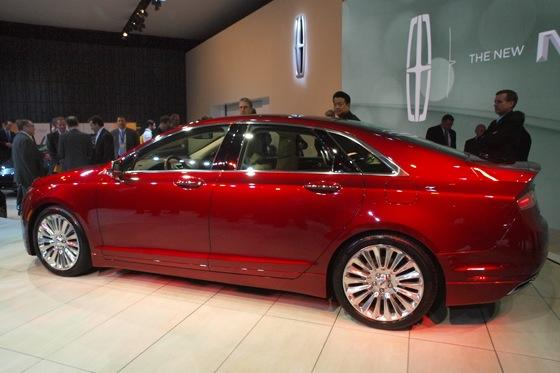 2013 Lincoln MKZ: 2012 New York Auto Show featured image large thumb2