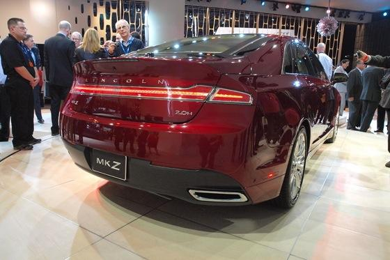 2013 Lincoln MKZ: 2012 New York Auto Show featured image large thumb6