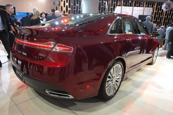 2013 Lincoln MKZ: 2012 New York Auto Show featured image large thumb7