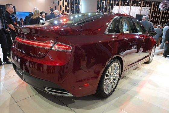 2013 Lincoln MKZ: 2012 New York Auto Show featured image large thumb8