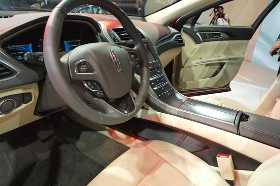 2013 Lincoln MKZ: 2012 New York Auto Show featured image large thumb20
