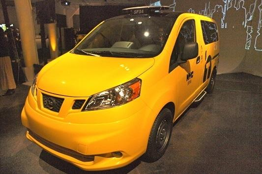 2013 Nissan NV Taxi: New York Auto Show featured image large thumb2
