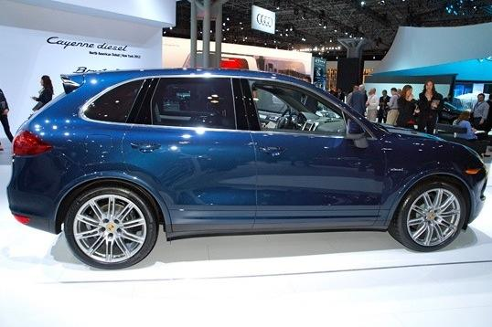 2013 Porsche Cayenne Diesel: New York Auto Show featured image large thumb1