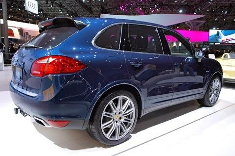 2013 Porsche Cayenne: New York Auto Show featured image large thumb2