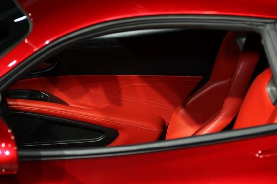 2013 SRT Viper: New York Auto Show featured image large thumb2