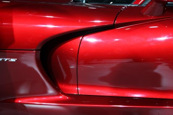 2013 SRT Viper: New York Auto Show featured image large thumb7