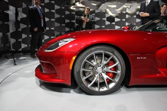 2013 SRT Viper: New York Auto Show featured image large thumb22