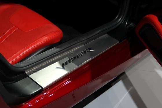 2013 SRT Viper: New York Auto Show featured image large thumb28