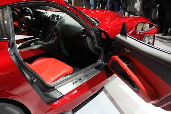 2013 SRT Viper: New York Auto Show featured image large thumb31