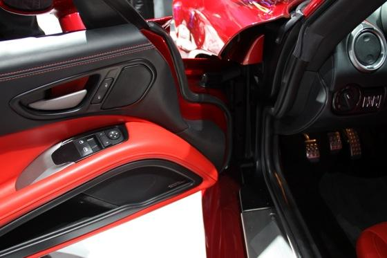 2013 SRT Viper: New York Auto Show featured image large thumb36
