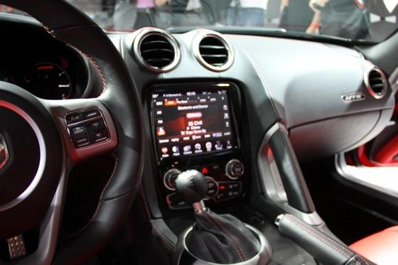 2013 SRT Viper: New York Auto Show featured image large thumb37