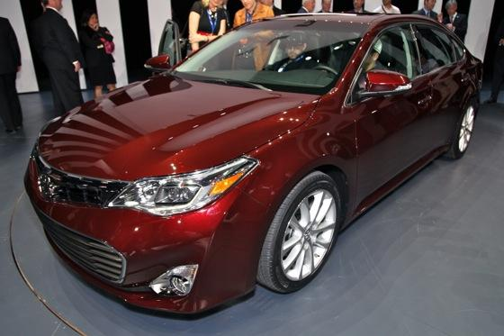 2013 Toyota Avalon: New York Auto Show featured image large thumb0