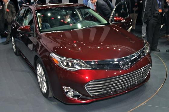 2013 Toyota Avalon: New York Auto Show featured image large thumb3