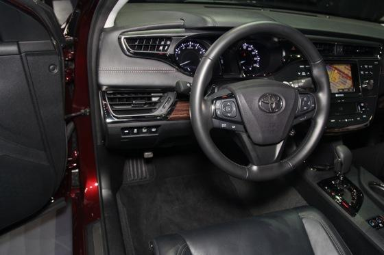 2013 Toyota Avalon: New York Auto Show featured image large thumb5