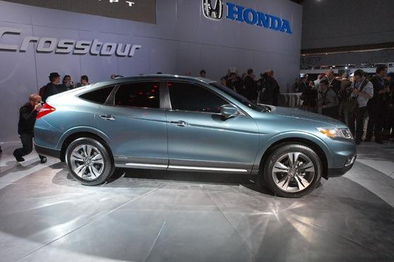 2013 Honda Crosstour Concept: New York Auto Show featured image large thumb5