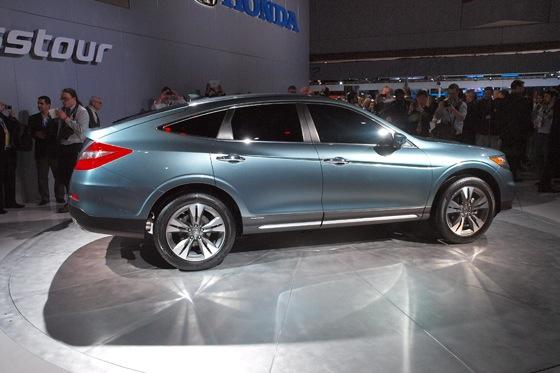 2013 Honda Crosstour Concept: New York Auto Show featured image large thumb6