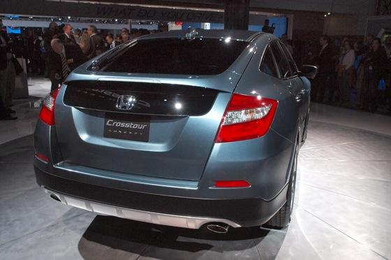 2013 Honda Crosstour Concept: New York Auto Show featured image large thumb8