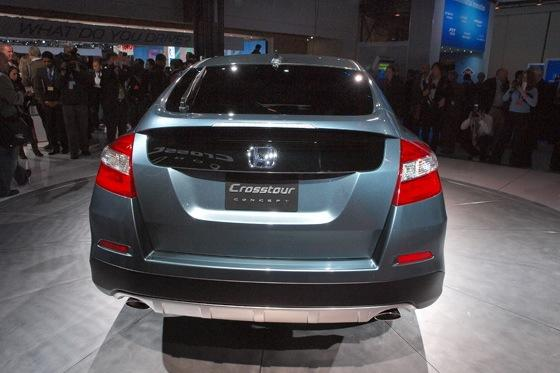 2013 Honda Crosstour Concept: New York Auto Show featured image large thumb9