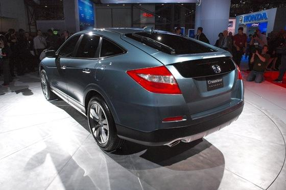 2013 Honda Crosstour Concept: New York Auto Show featured image large thumb10