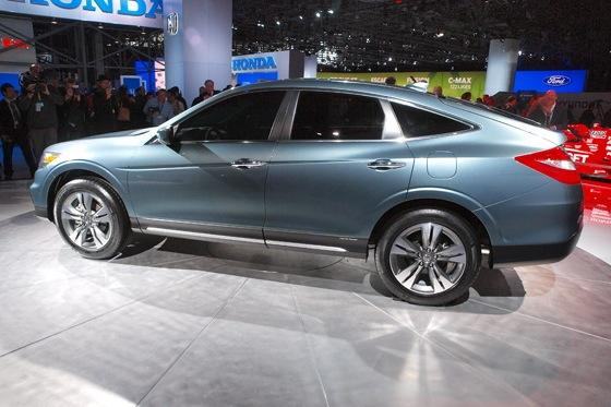 2013 Honda Crosstour Concept: New York Auto Show featured image large thumb14