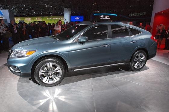 2013 Honda Crosstour Concept: New York Auto Show featured image large thumb16