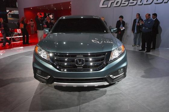 2013 Honda Crosstour Concept: New York Auto Show featured image large thumb20