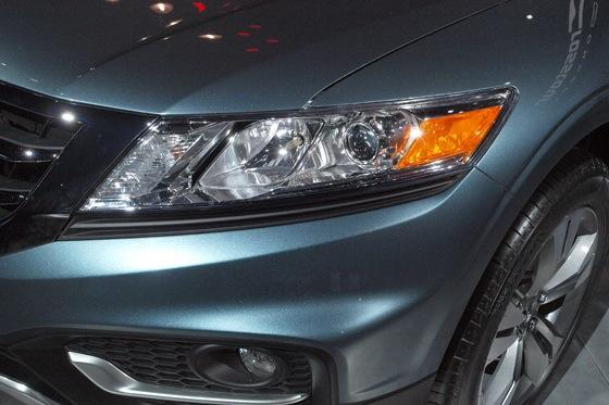 2013 Honda Crosstour Concept: New York Auto Show featured image large thumb21
