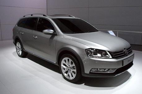 Volkswagen Alltrack Concept: New York Auto Show featured image large thumb1