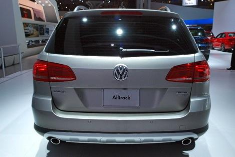 Volkswagen Alltrack Concept: New York Auto Show featured image large thumb4