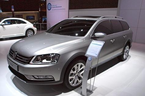 Volkswagen Alltrack Concept: New York Auto Show featured image large thumb6