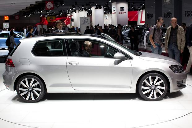 2014 Volkswagen Golf: 2012 Paris Auto Show featured image large thumb1
