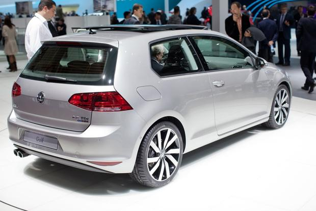 2014 Volkswagen Golf: 2012 Paris Auto Show featured image large thumb2