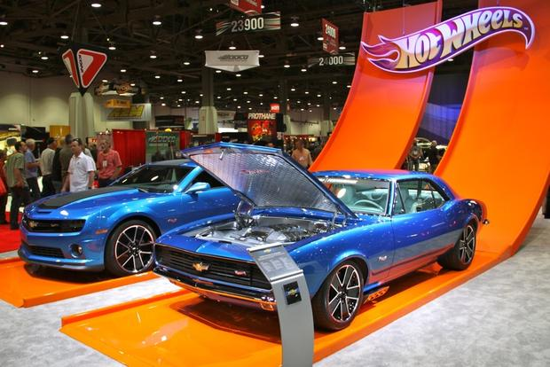 2013 Chevy Camaro Hot Wheels: SEMA Auto Show featured image large thumb1