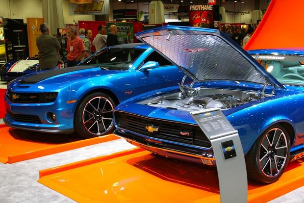 2013 Chevy Camaro Hot Wheels: SEMA Auto Show featured image large thumb2