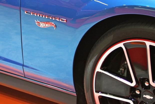 2013 Chevy Camaro Hot Wheels: SEMA Auto Show featured image large thumb11