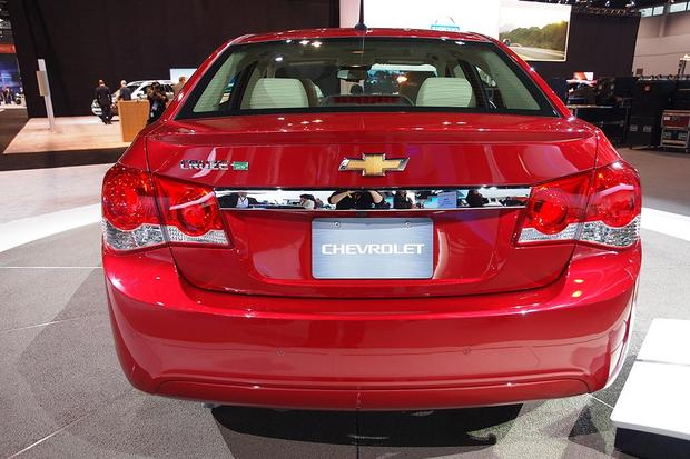 2014 Chevrolet Cruze Diesel: Chicago Auto Show featured image large thumb3